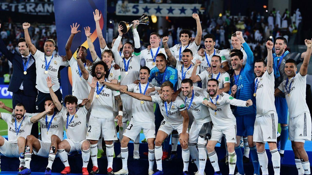 Anquela Real Oviedo Requexon.Santi Cazorla celebrando uno de sus dos goles al Real Madrid