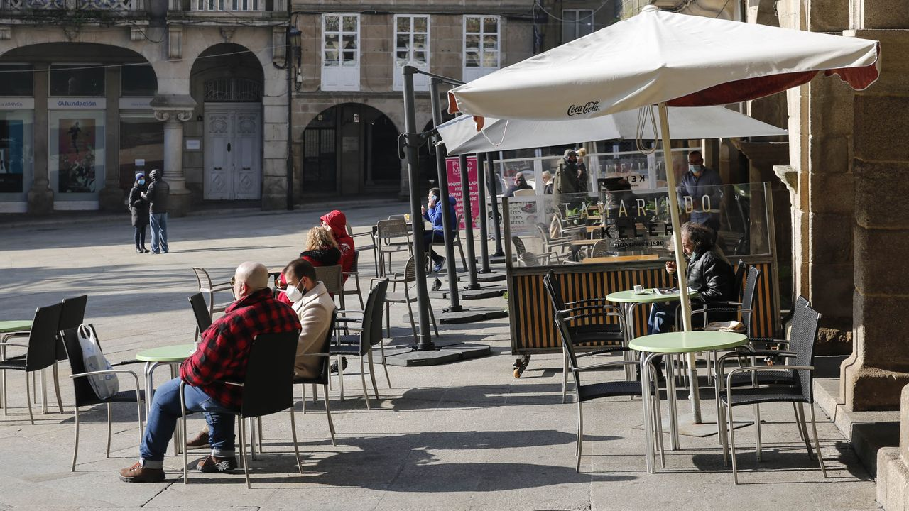 La hostelería se adapta a las nuevas restricciones.Al cribado de Allariz se presentaron 1.090 de las 1.500 personas citadas