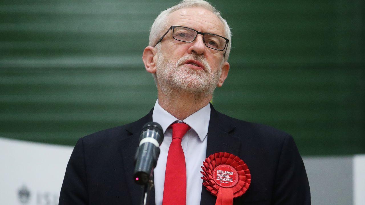 La formación de Corbyn fue vapuleado en sus bastiones tradicionales y logra los peores resultados desde 1935.