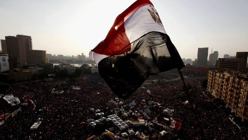 Aniversario de protestas en Egipto.El pueblo celebra en las calles el ultimátum del Ejército