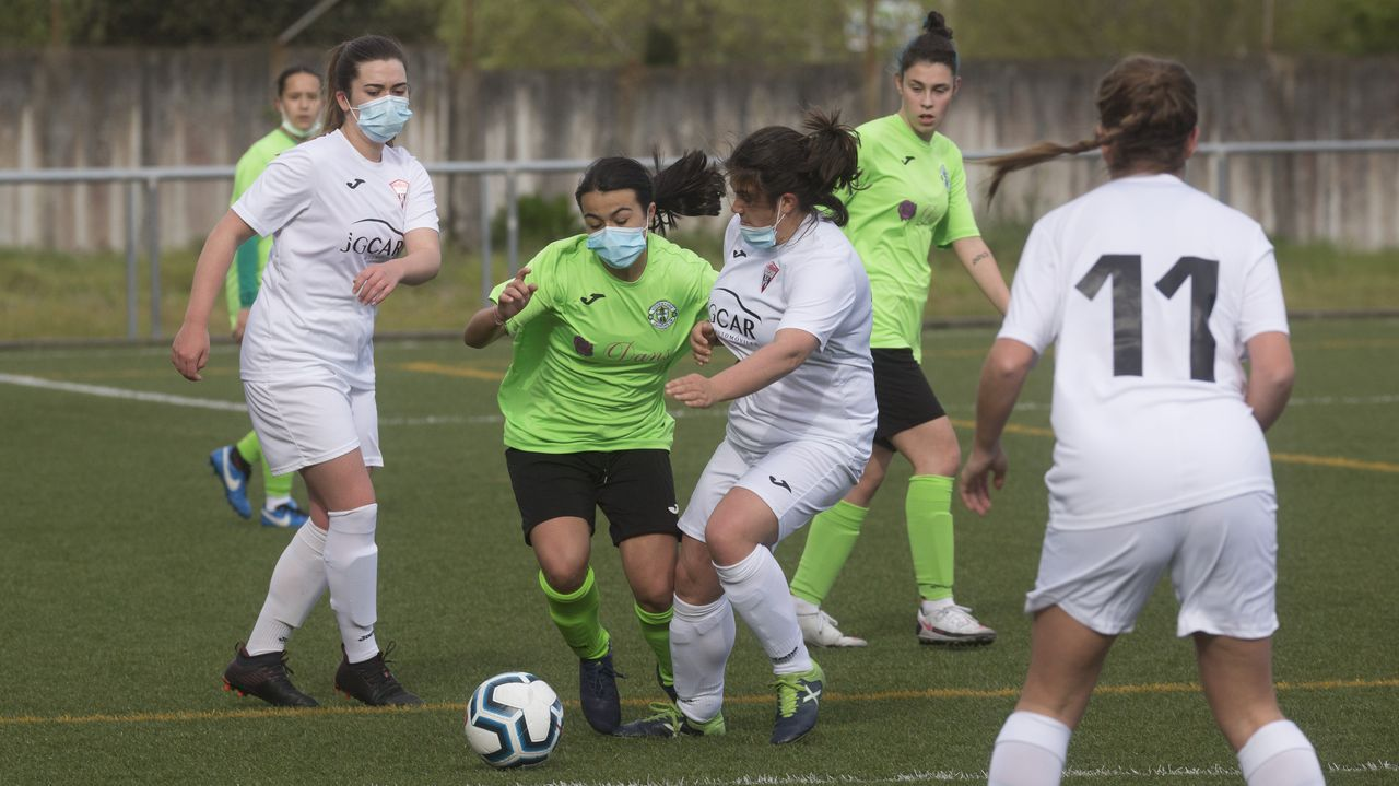 gol Laurina Real Oviedo Femenino FC Barcelona Tensi.Laurina celebra un gol con el Real Oviedo Femenino