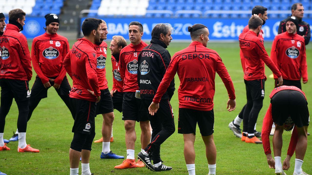 Bellvis Extremadura Alcorcon.Quique, a la derecha de la foto con Bóveda, está entre los cinco deportivistas con más minutos