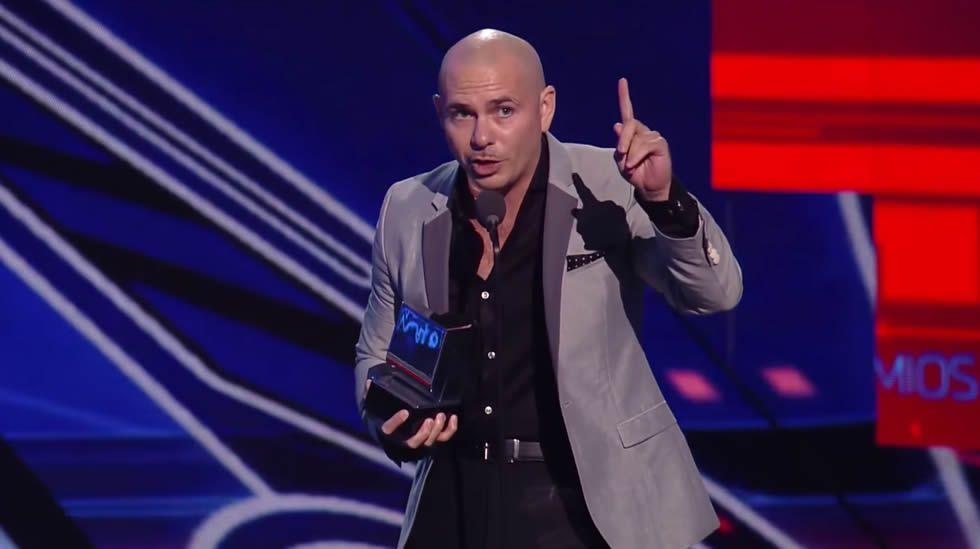 La polémica amenaza de Pitbull a Donald Trump.Manifestación a favor del Chapo Guzmán en febrero del año pasado