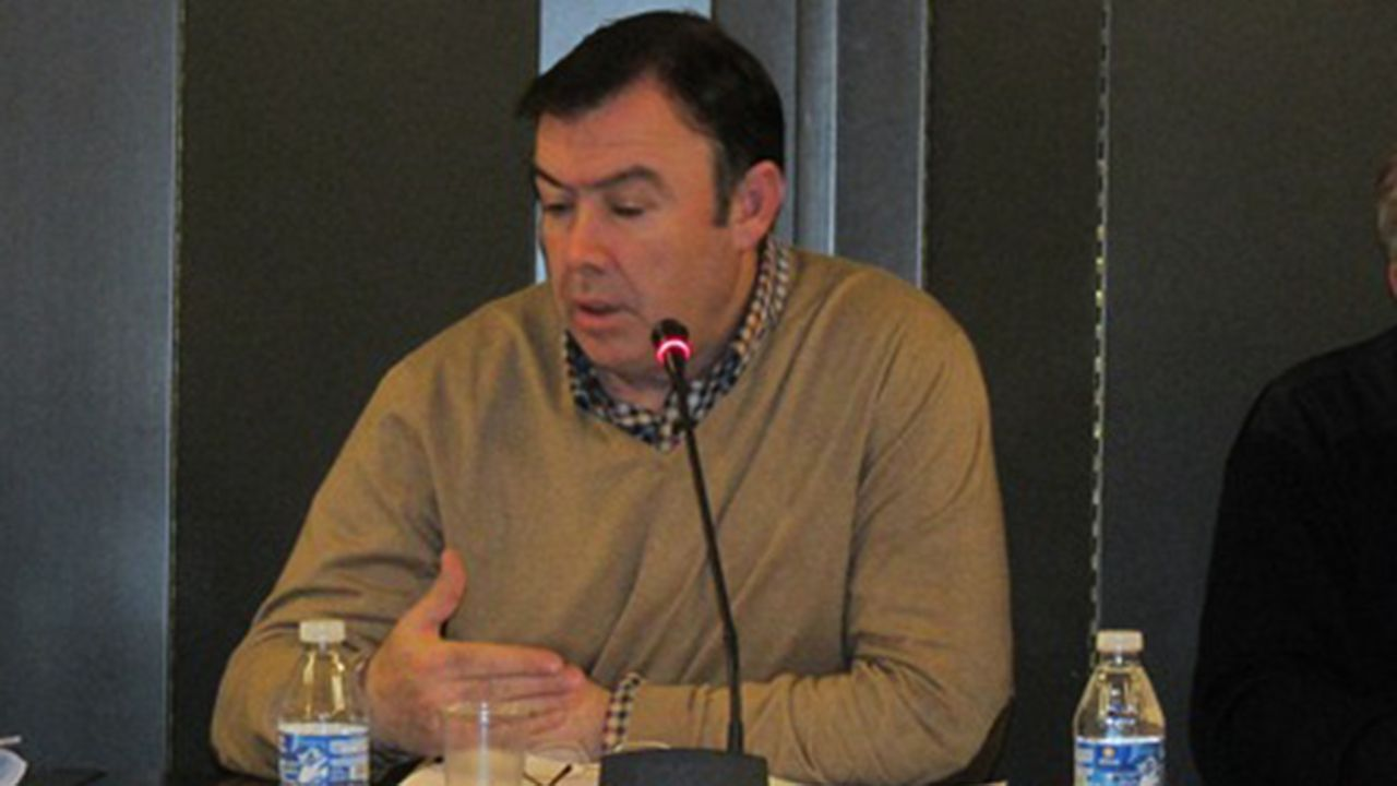 Grado de deportes en el campus de mieres.José Luis Trabanco, alcalde de Grado