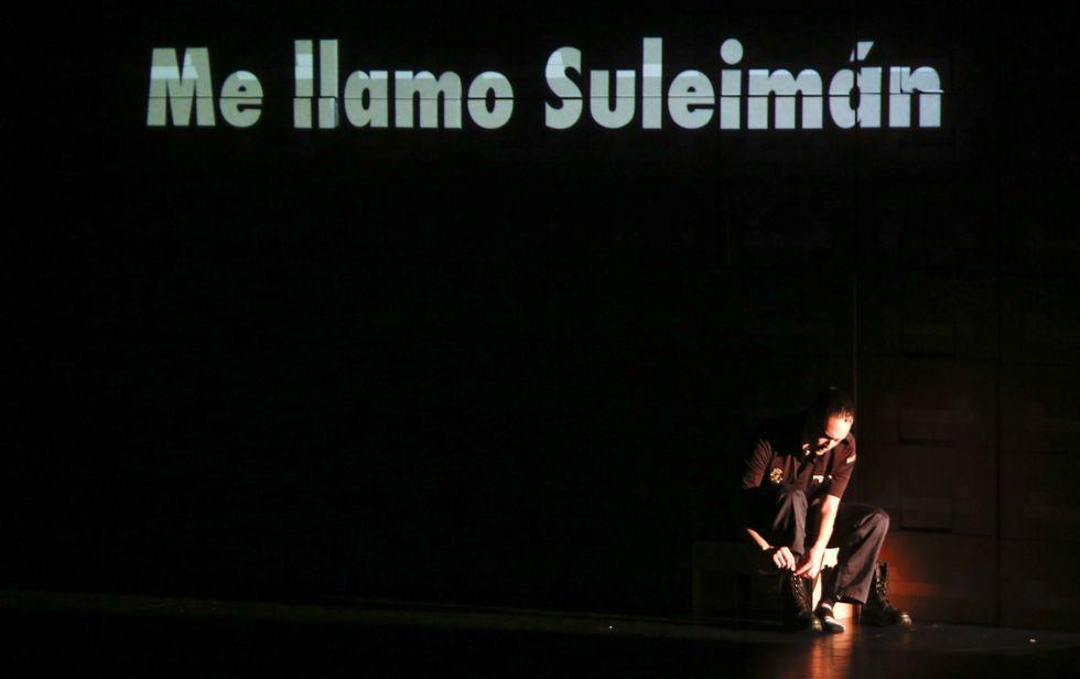 ¿Qué está pasando en Mali?.Un intre da representación teatral do pasado sábado no Pazo da Cultura de Narón.