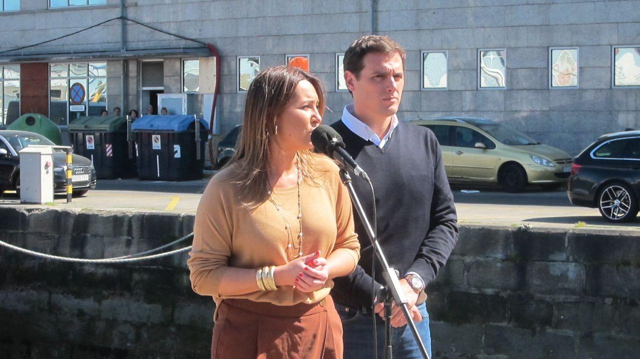 Albert Rivera, durante la campaña de las generales, con la ahora diputada por Pontevedra, Beatriz Pino