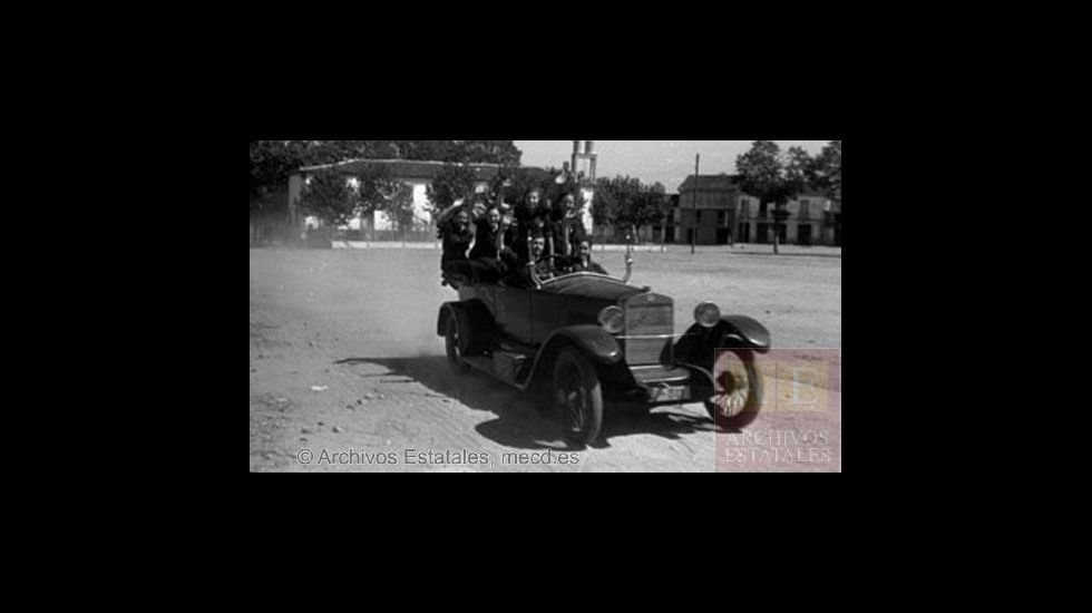 Fotografías tomadas en Monforte en 1936 por el alemán Erich Andres.Cine de Intu Asturias