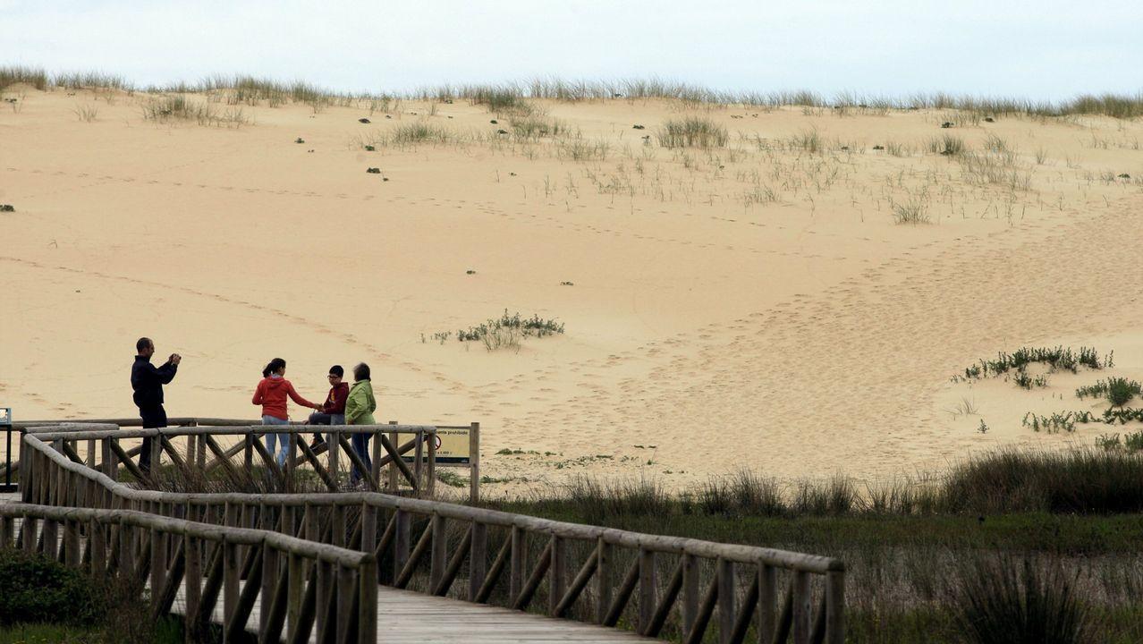 El paraíso bajo las aguas de Galicia.Como lle explicarías a alguén que non a teña visto xamais como é area da praia?