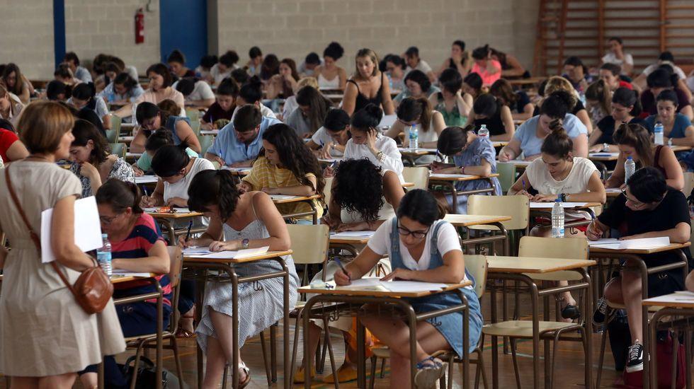 Examen de oposición para profesores en Ourense