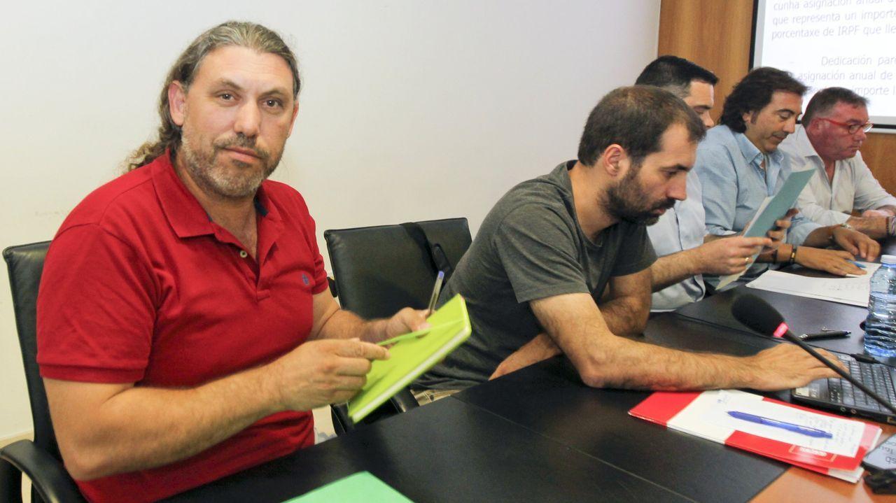 Vacunación con Pfizer del grupo de edad de 75 a 79 años en el recinto ferial de Pontevedra