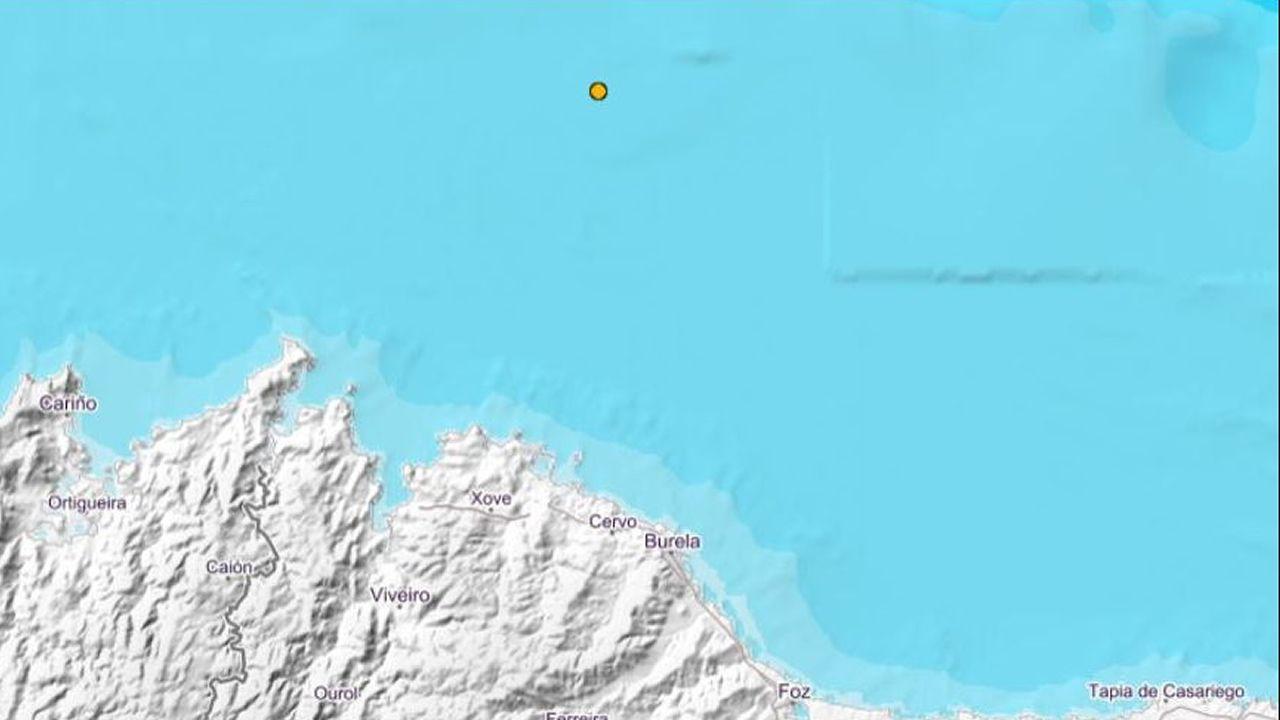 El punto amarillo señala el epicentro del movimiento sísmico de este 8 de junio frente a San Cibrao