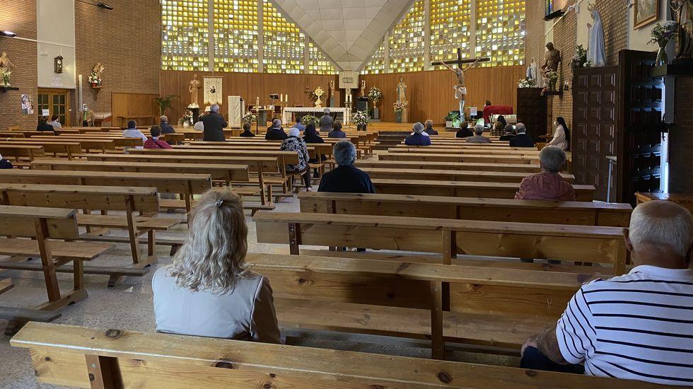 La puesta a punto de Manzaneda.En la novena de Santa Rita en O Barco se cumplen los protocolos para evitar contagios de coronavirus