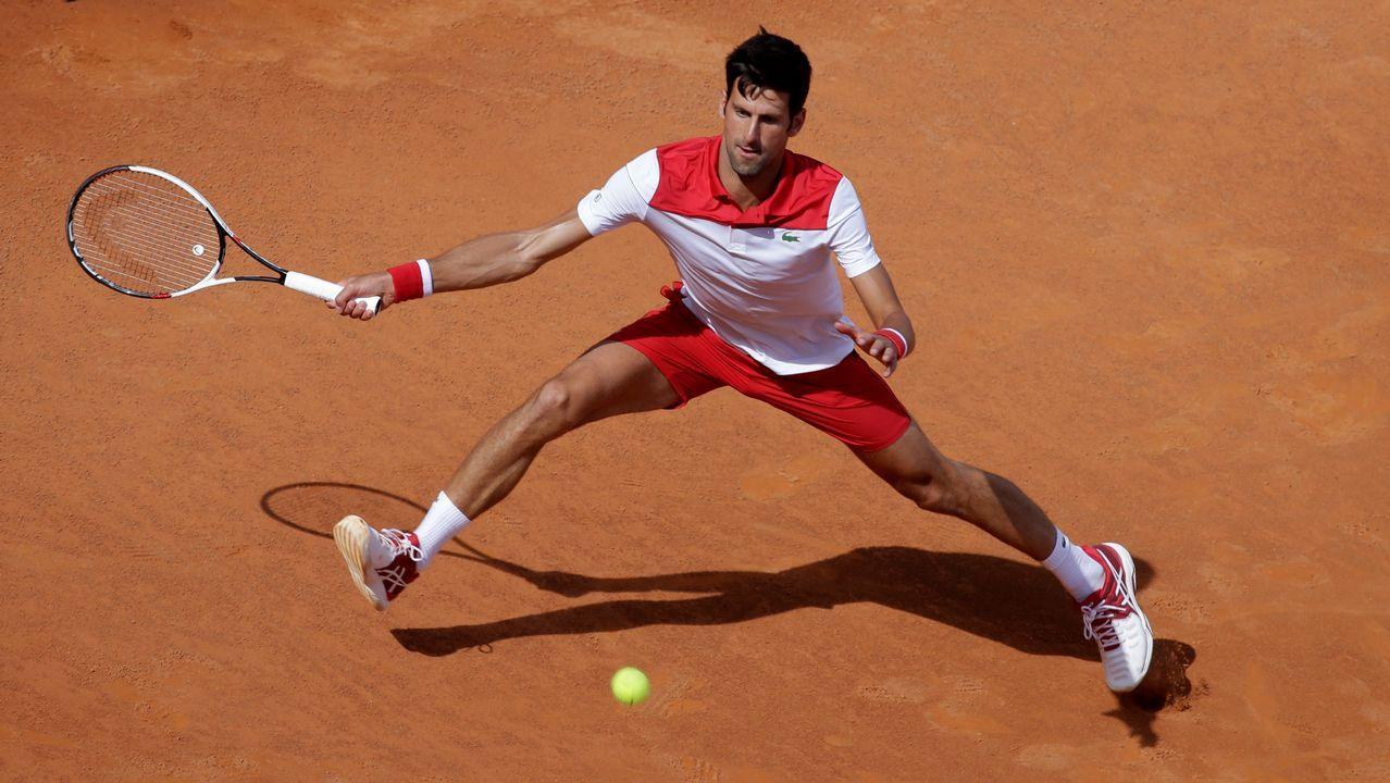 Novak Djokovic durante un partido en el Masters 1000 de Roma contra el ucraniano Alexandr Dolgopolov
