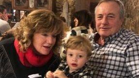 Marina con su marido, José, y su nieto, Erik