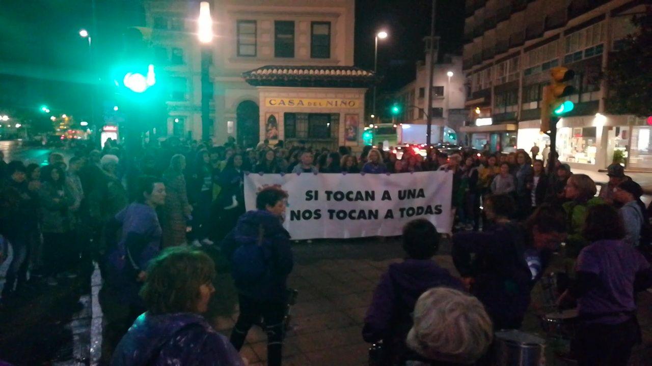 Un momento de la concentración feminsta en protesta contra el asesinato machista en Gerona