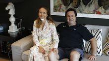 Moncho Álvarez junto a su mujer Silvia Alonso días después del accidente, tras salir del hospital