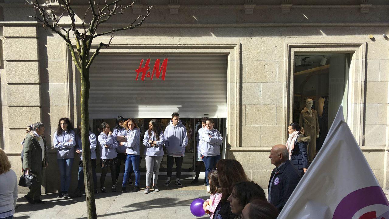 Foto de archivo de la tienda de H&M en la rúa do Paseo