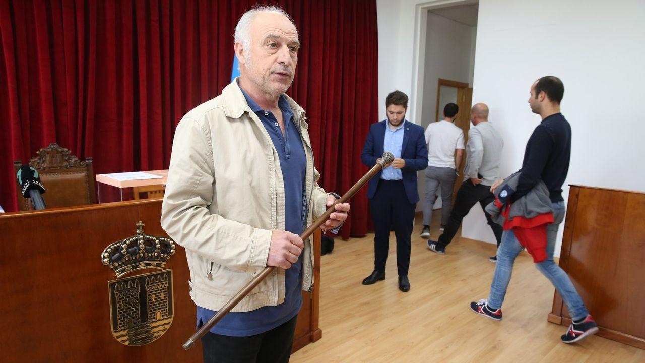 El alcalde de Catoira, Xan Castaño, durante su investidura en junio