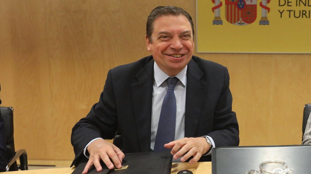 Pedro Sánchez comunica la composición del nuevo Gobierno de coalición.Pedro Sánchez y Carmen Calvo, en el pleno de investidura