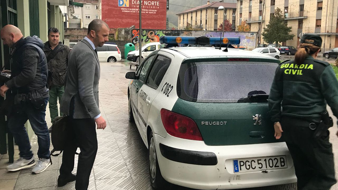 Prisión incondicional para el hombre que mató a su hijo en Lantero.El alcalde de Laviana, Julio García