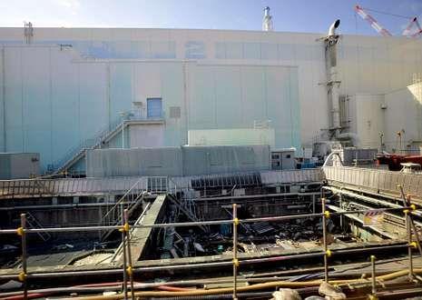 Homenaje a las víctimas de Hiroshima.Foto tomada el 28 de febrero de 2012 del edificio del reactor número 2 de la planta de Fukushima.