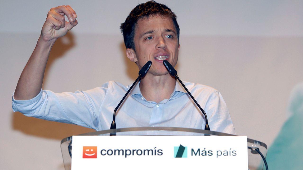 «Es hora de la política útil» | Spot Más País.El candidato presidencial de Unidas Podemos Pablo Iglesias (c) durante un acto electoral celebrado este lunes en Oviedo