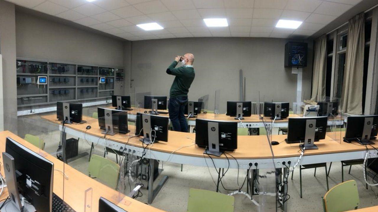 Una de las aulas del CIFP Politécnico en las que se imparte uno de los másteres de FP sobre ciberseguridad