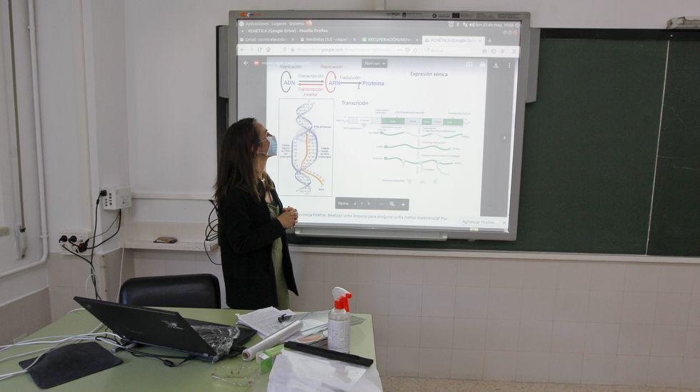 Regreso a las aulas en Ribeira.Clase en el instituto de A Basella, en Vilagarcia