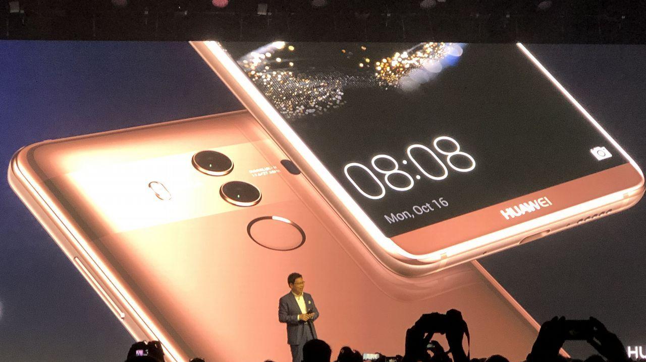 El nuevo iPhone desata la euforia.Cajas apiladas de Amazon
