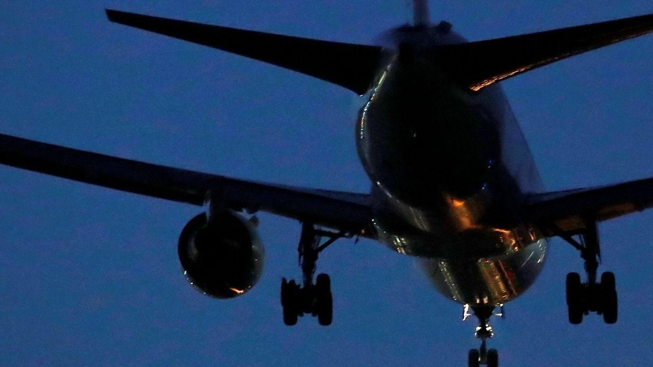 El Ejército del Aire encuentra restos del avión siniestrado en Murcia y confirma que el piloto no se pudo eyectar.150 personas murieron al estrellar deliberadamente el copiloto un avión de la aerolínea Germanwings contra los Alpes franceses