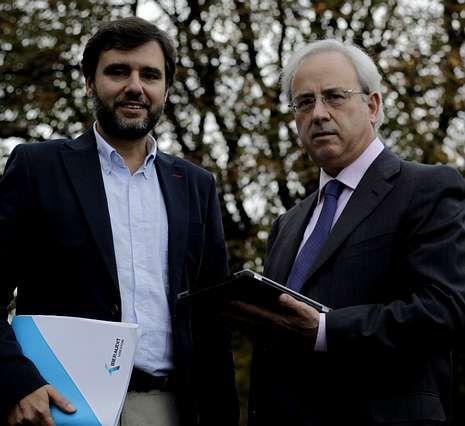 Jorge Borrajo y Antonio Álvarez participan en el encuentro.