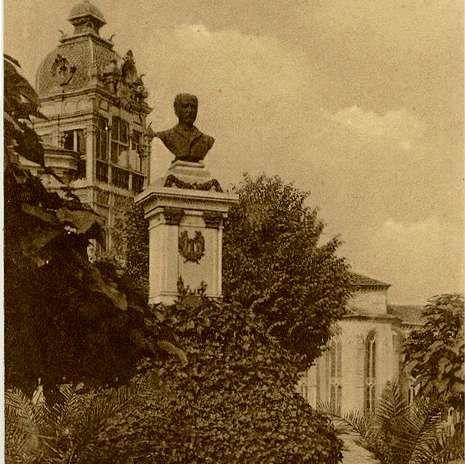 Juan Montes tuvo un busto en Santo Domingo, donde estaba su casa.