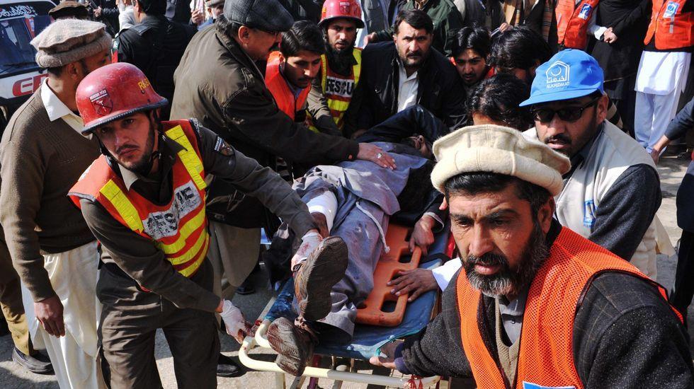 El vídeo en el que el «hombre del sombrero» denunciaba la situación de los musulmanes.Ataque a una universidad paquistaní