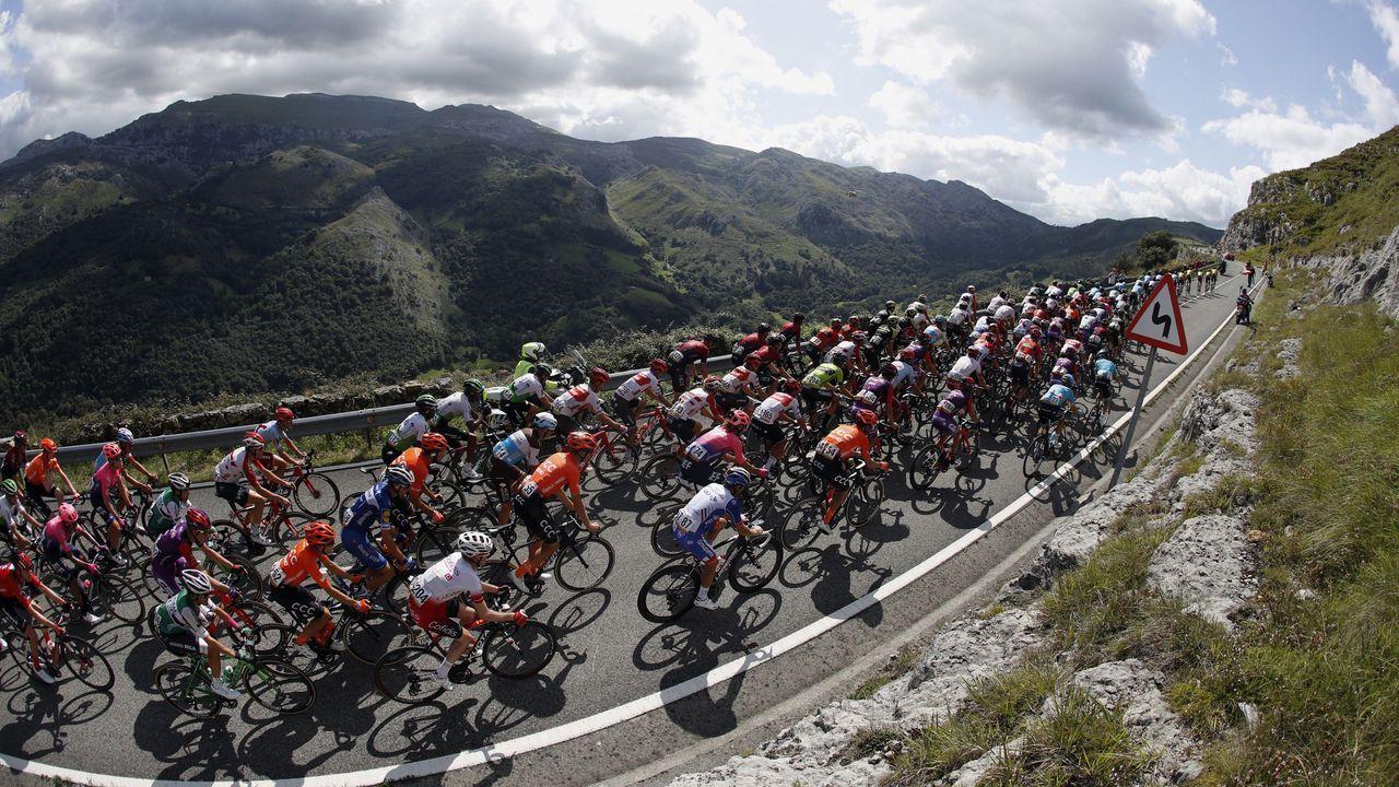 La Vuelta a su paso por una Asturias determinante.Eduardo Chozas