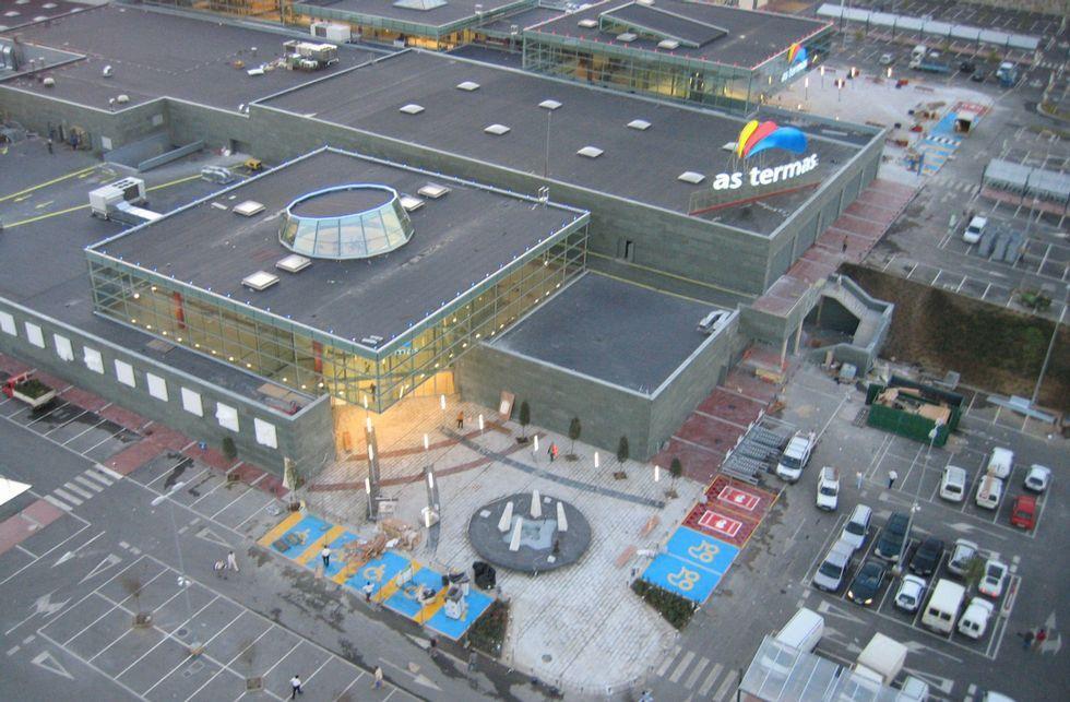 Imagen aérea del centro comercial As Termas en octubre de 2005, a punto de ser abierto al público.