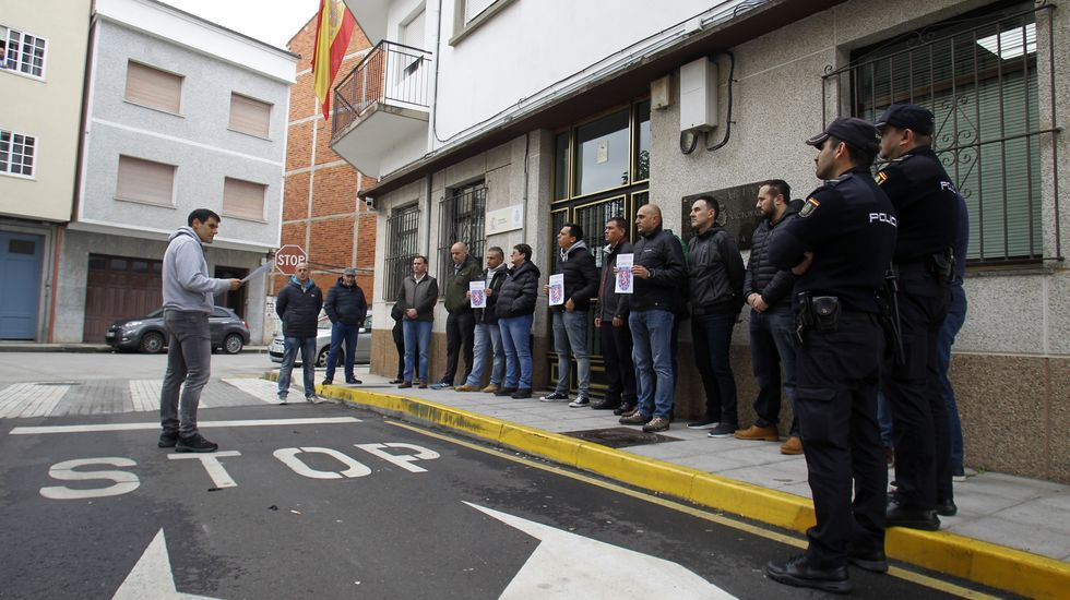 Un representante del SUP leyó un comunicado conjunto de los cuatro sindicatos policiales convocantes