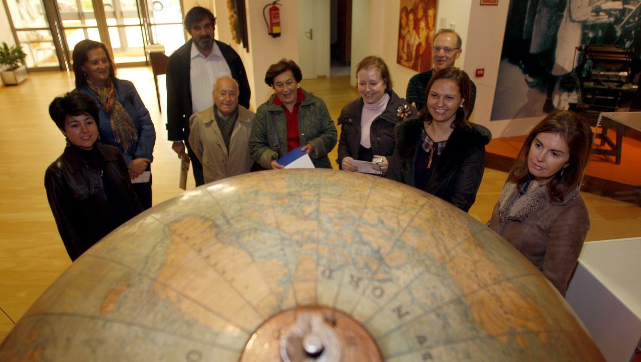 Rosario Porto, en una visita al Museo Pedagóxico de Galicia junto a sus padres, Francisco Porto y Socorro Ortega, en el centro de la imagen
