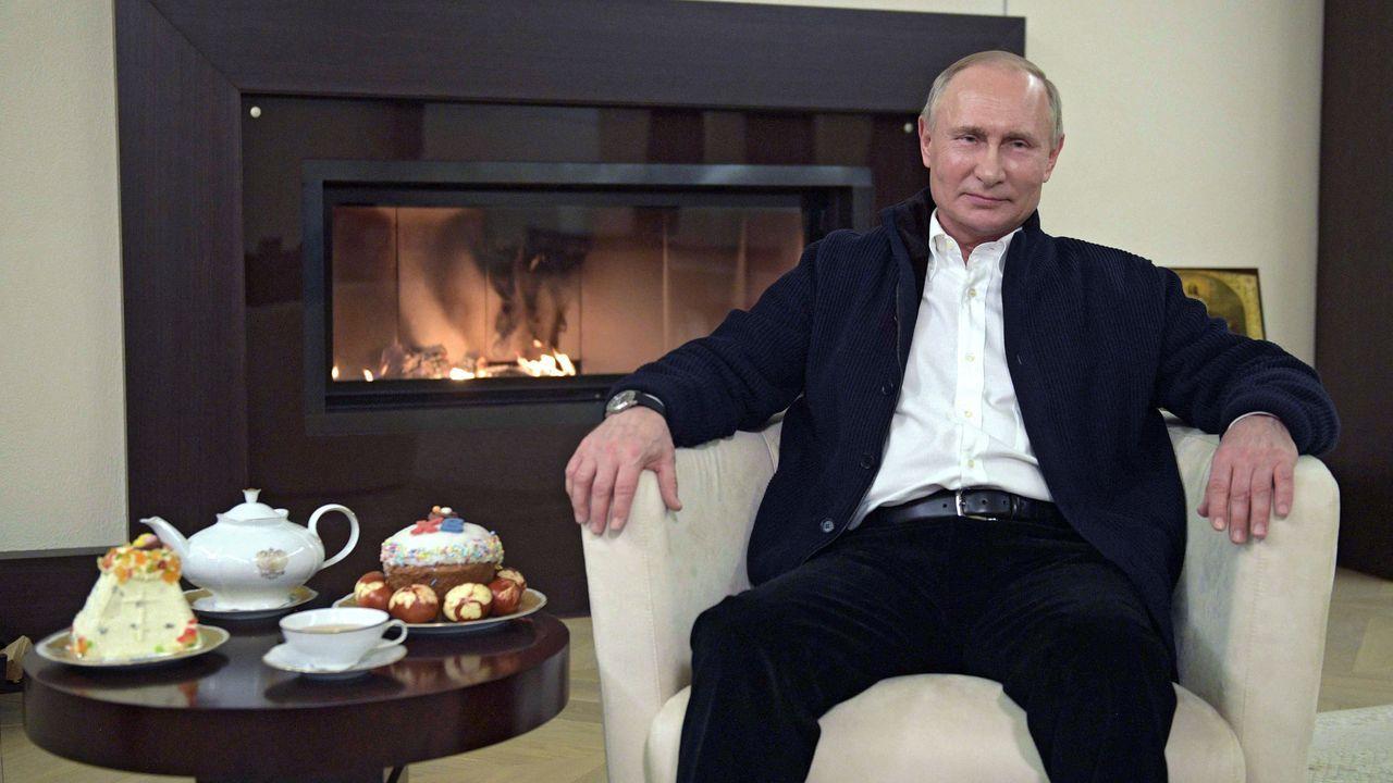 En un mensaje de vídeo para felicitar la Pascua ortodoxa, Putin aseguró el domingo que Rusia tiene el coronavirus «totalmente controlado»