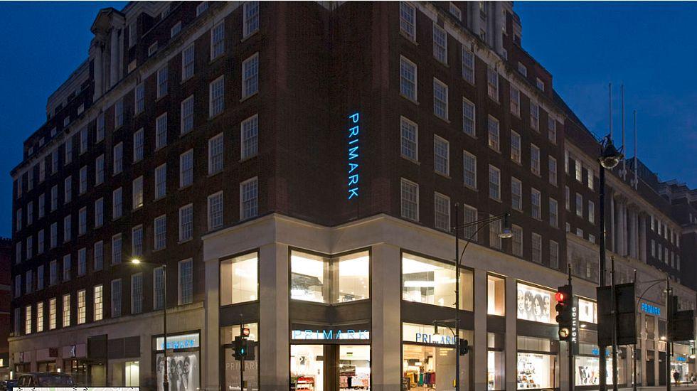 Edificio ubicado en Oxford Street, cuyo principal inquilino es Primark, competidor de Zara.