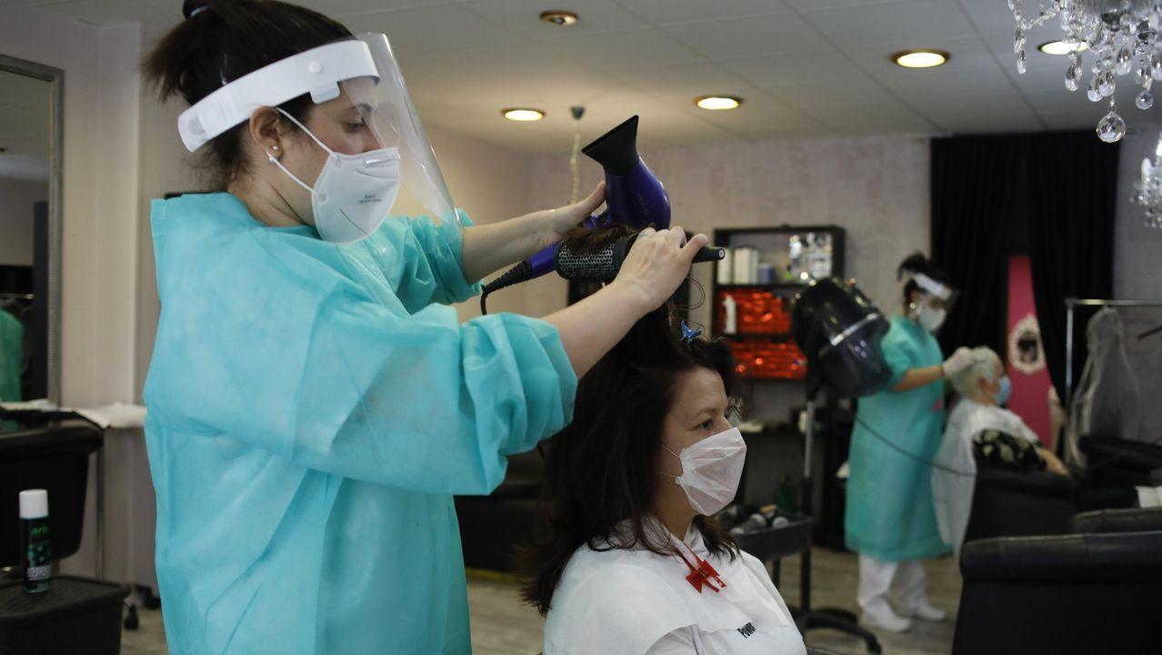 La peluquería Miriam Souto en su vuelta tras el confinamiento