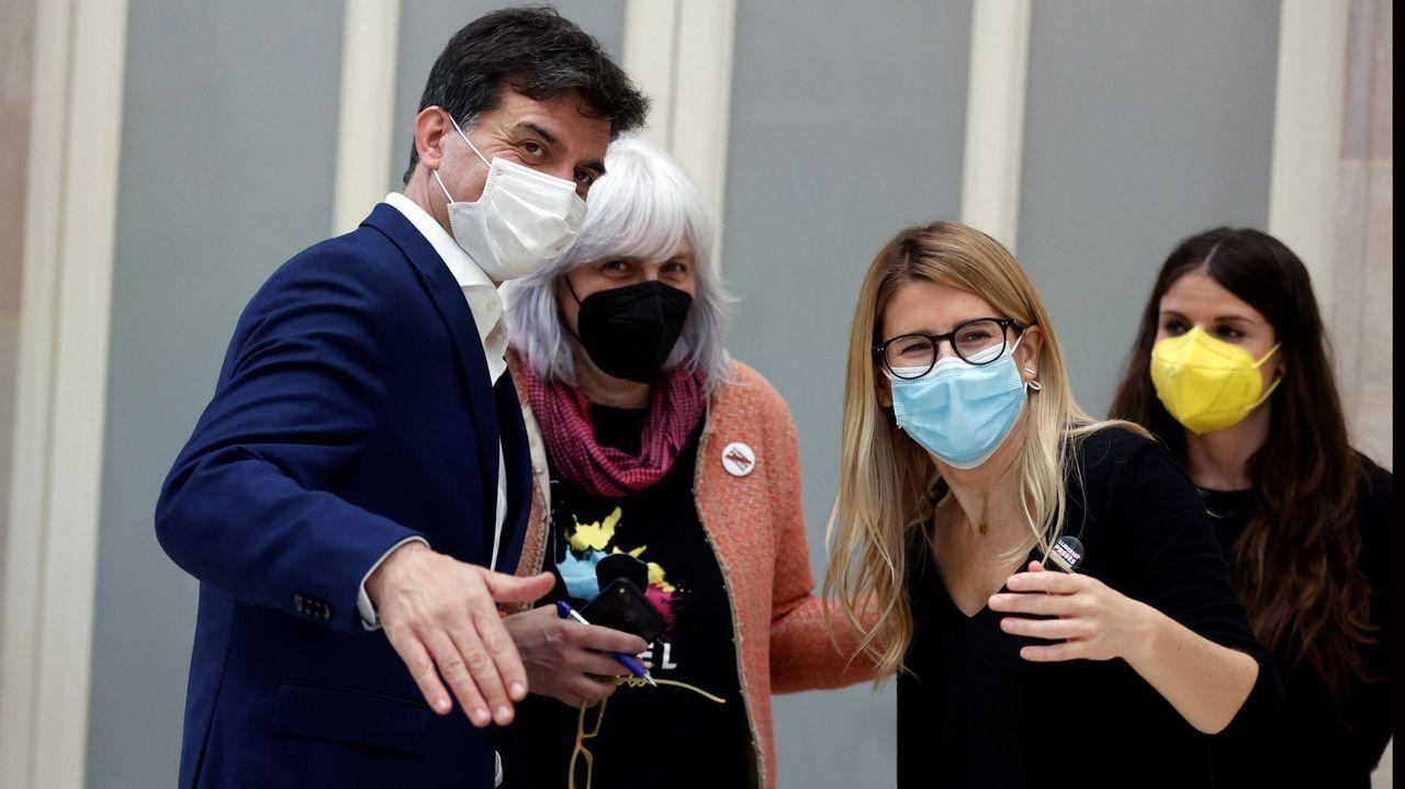 Sergi Sabrià (ERC), Dolors Sabater (CUP), Elsa Artadi y Gemma Geis, ambas de JxCat, en el pleno de investidura del pasado viernes