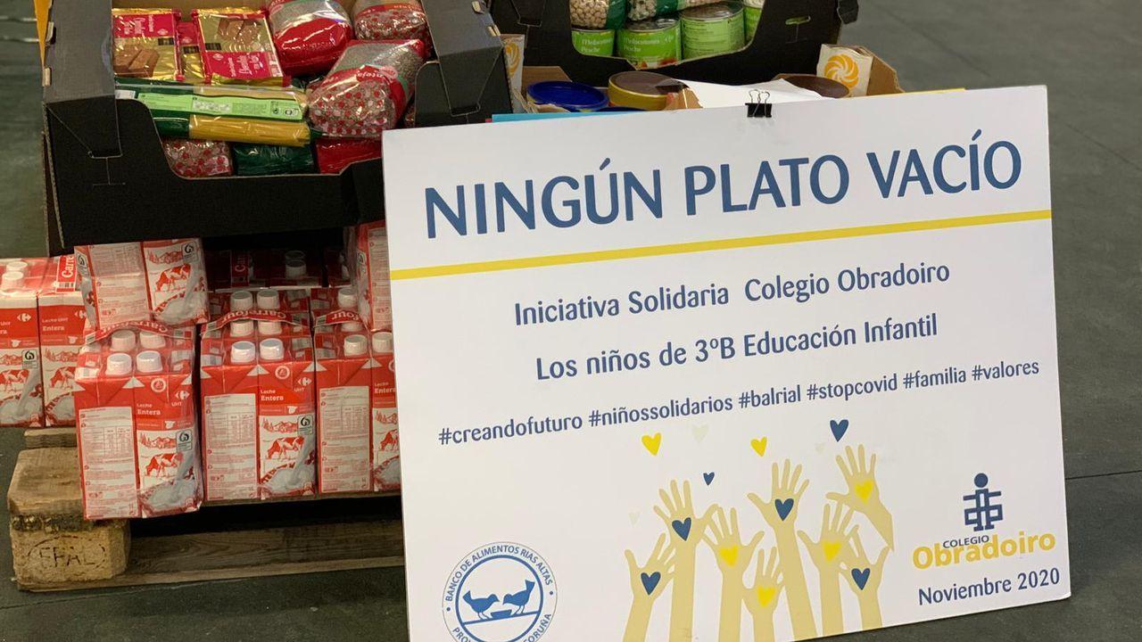Campaña de recogida de alimentos promovida por alumnos de 3ºB de educación infantil del colegio Obradoiro de A Coruña