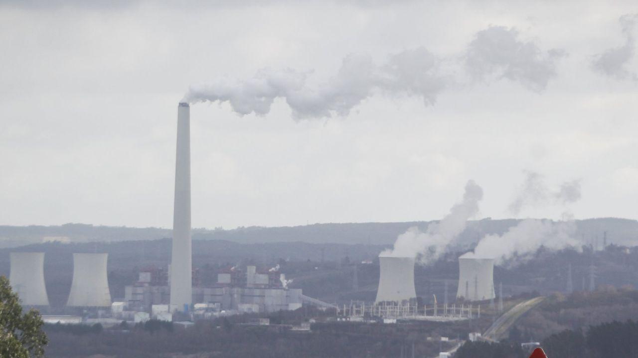 Central de carbón y de gas de Endesa en As Pontes