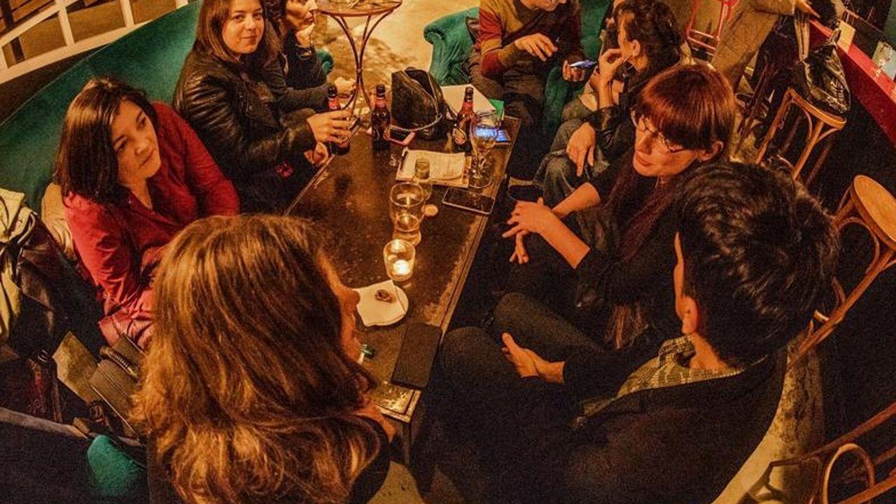 INTEGRANTES DE LA BANDA RESIDENTE FEMENINA DEL BABA BAR