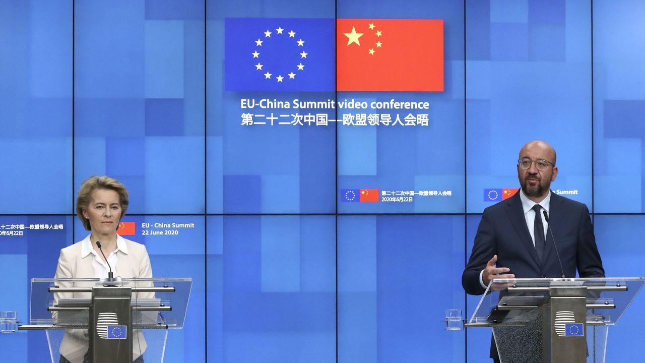 Ursula Von der Leyen y Charles Michel, durante la videoconferencia con los representantes chinos