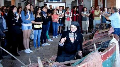 Visita ao Museo da Pesca, en Fisterra, da man de Alexandre Nerium.