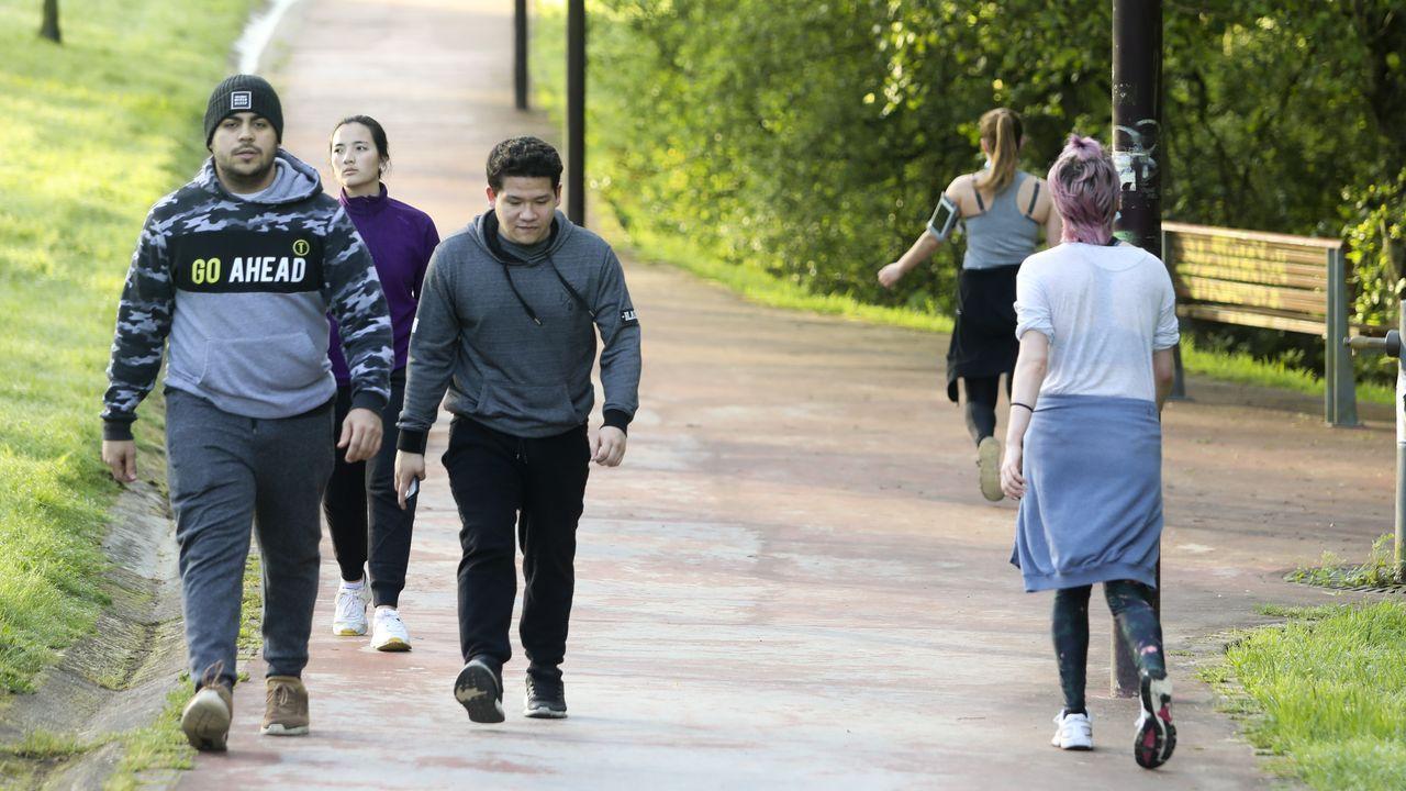 Galicia se entrega al paseo y al deporte.Zona de urgencias del HULA