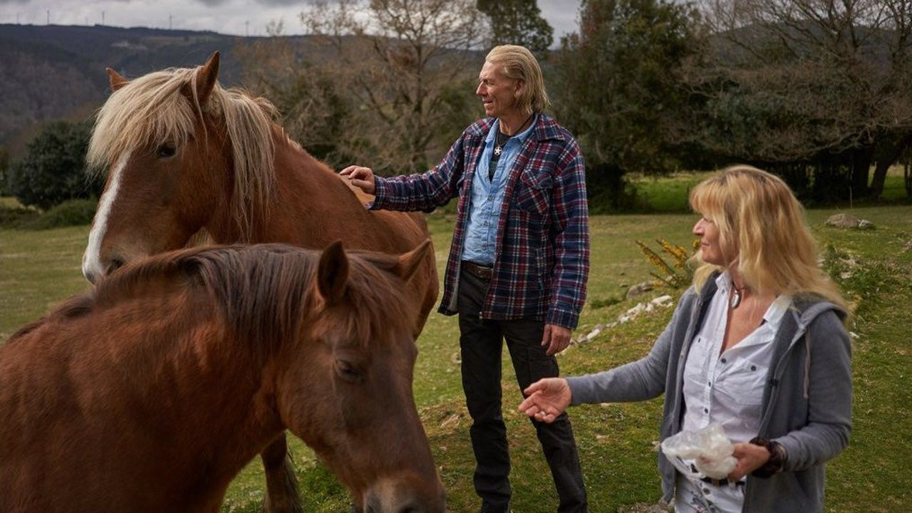 a grela.Jeff King y Claudia Weber están instalados en Galicia. Fotos de Samuel Aranda para el The New York Times