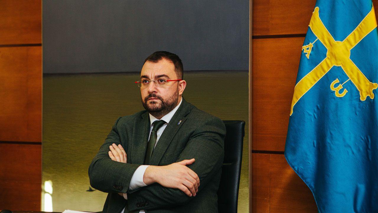 El neurólogo asturiano Juan Fueyo publica su primer libro «Exilios y odiseas. La historia secreta de Severo Ochoa».Adrián Barbón participa de forma telemática en los Encuentros del Eo