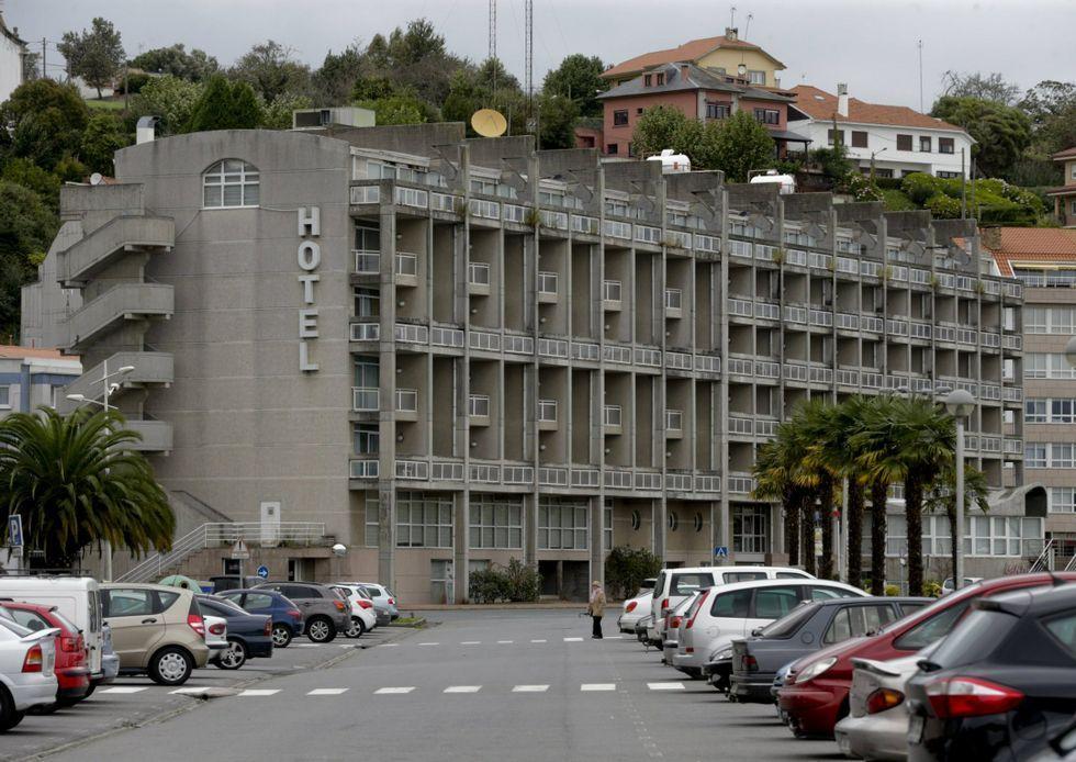 Benitor Portela se convierte en el nuevo regidor sadense.La subasta del hotel se suspendió en el mes de mayo.